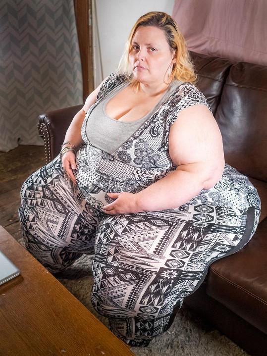 Na své kolosální boky je pyšná.