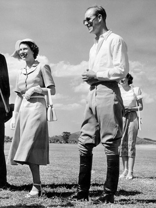 Alžběta a Philip cestovali po Africe, když svět obletěla zpráva o skonu jejího otce, krále Jiřího VI.