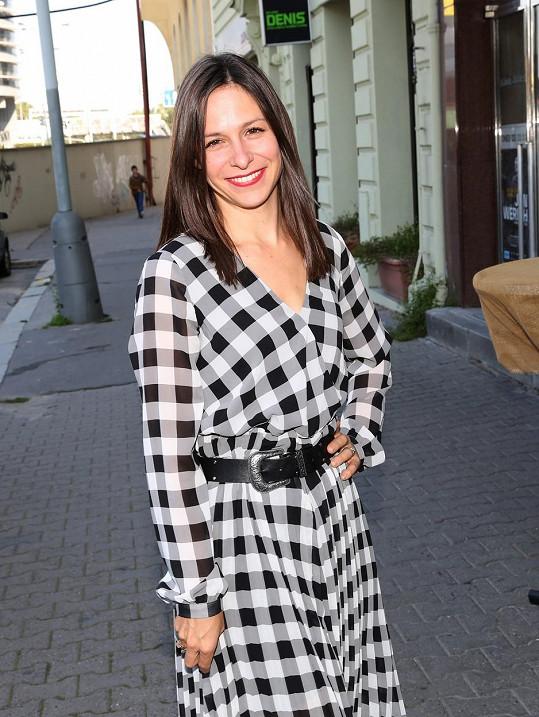 Veronika Kubařová je hvězdou nové romantické komedie.