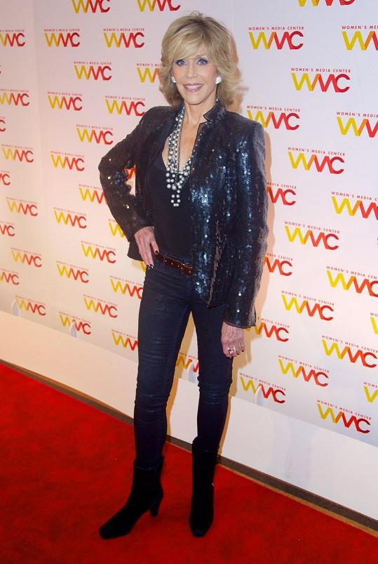 Fonda vypadá bezvadně i po sedmdesátce.