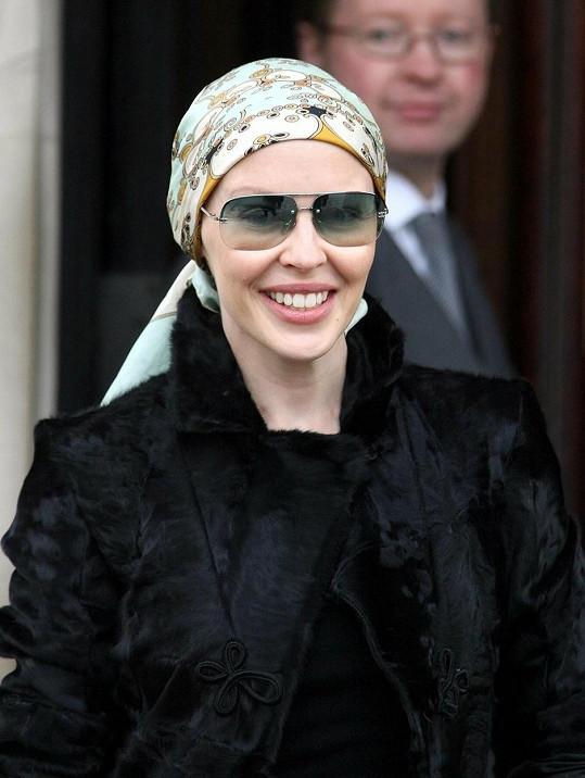 Kylie diagnostikovali rakovinu prsu v roce 2005. O rok později těžkou nemoc porazila.