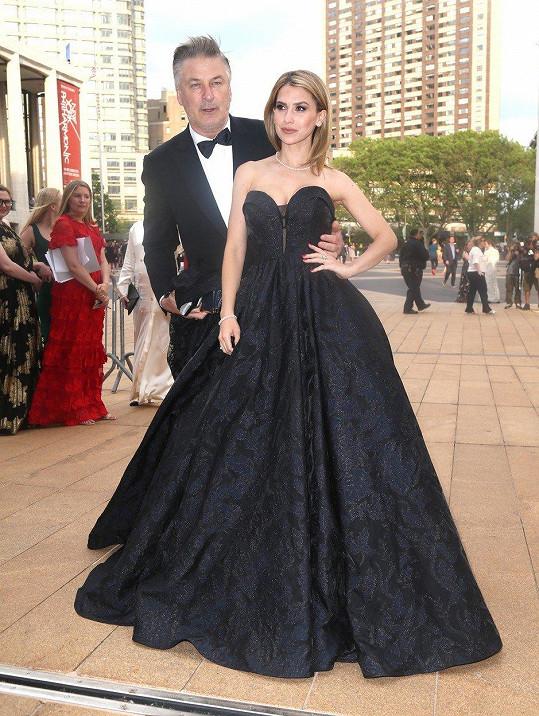 Hilaria a Alec na Spring Gala