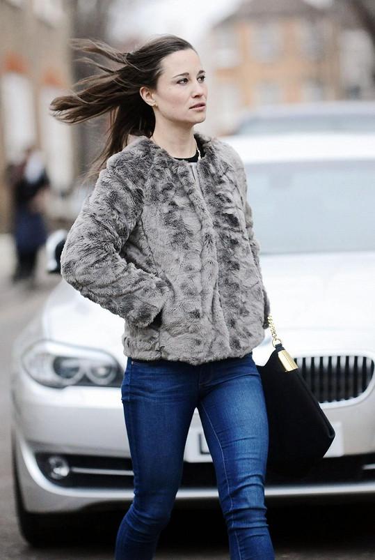 Pippa Middleton v Londýně míří na oběd.