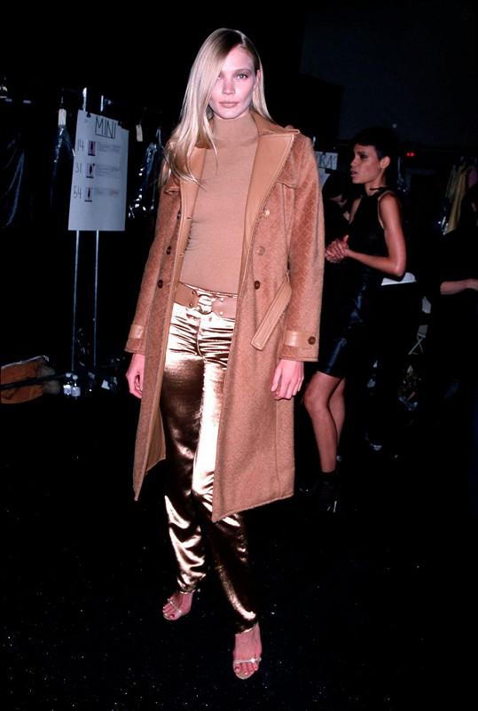 Jodie Kidd i mezi modelkami vyniká svou výškou.