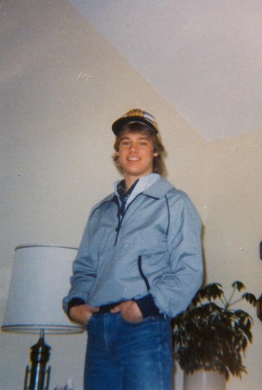 Mladý Pitt jako teenager.