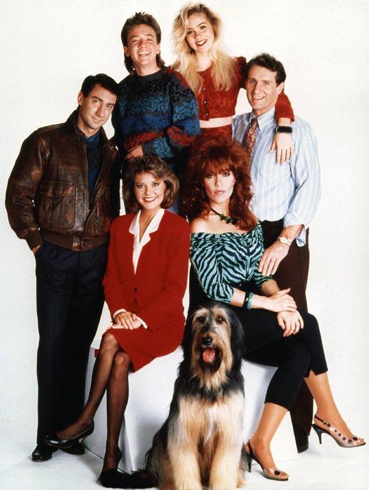 Peggy Bundová se svou seriálovou rodinkou (1986)