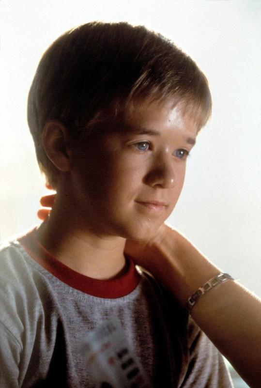 Haley Joel Osment byl za roli v Šestém smyslu nominován na Oscara.