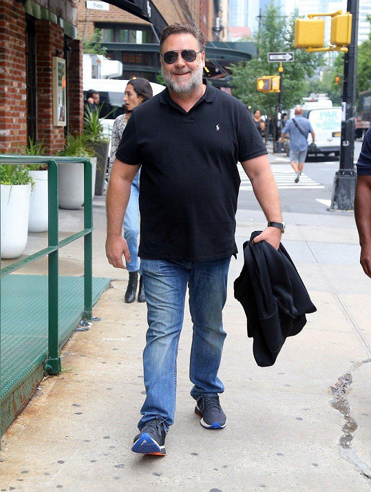 Russell Crowe maličko přibral.