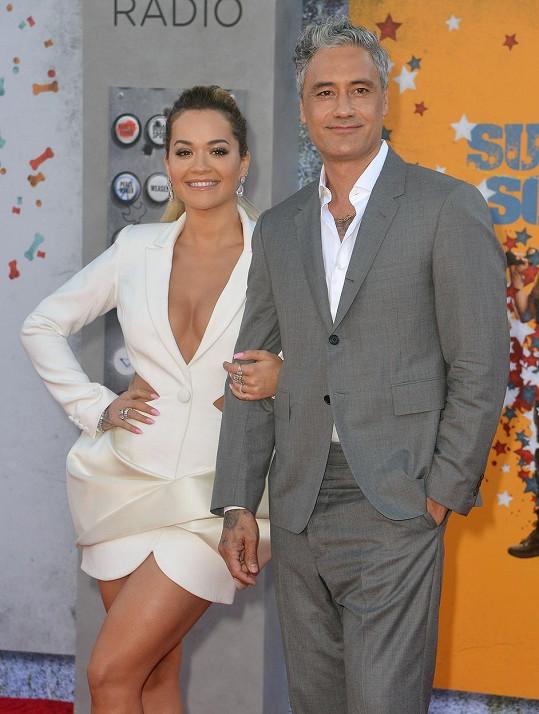 Rita Ora a Taika Waititi tvoří pár od začátku března.
