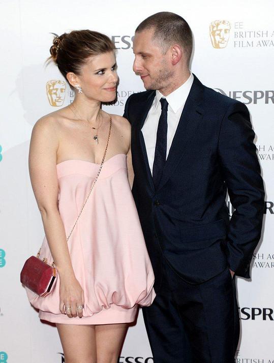 Kate Mara s manželem Jamiem Bellem na párty pro nominované na Filmovou cenu Britské akademie