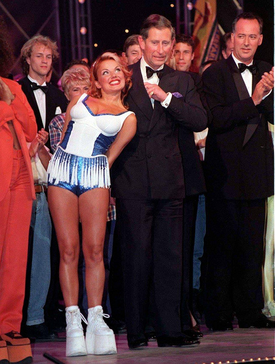 Princ Charles a Geri Horner, tehdy Halliwell, na slavné momentce z roku 1997