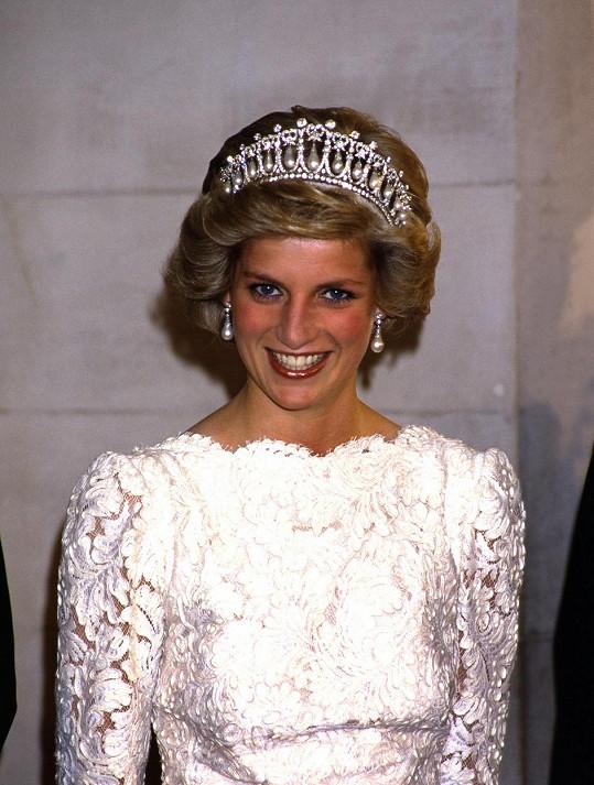 Klenot nejvíce proslavila lady Diana.