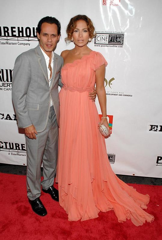 S Jennifer Lopez má šestiletá dvojčata Maxe a Emme.