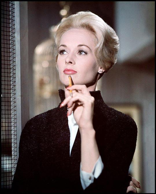 V roce 1963 si zahrála v hororu Ptáci.