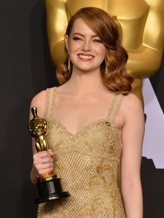 Emma Stone v únoru převzala Oscara za hlavní roli v muzikálu La La Land.