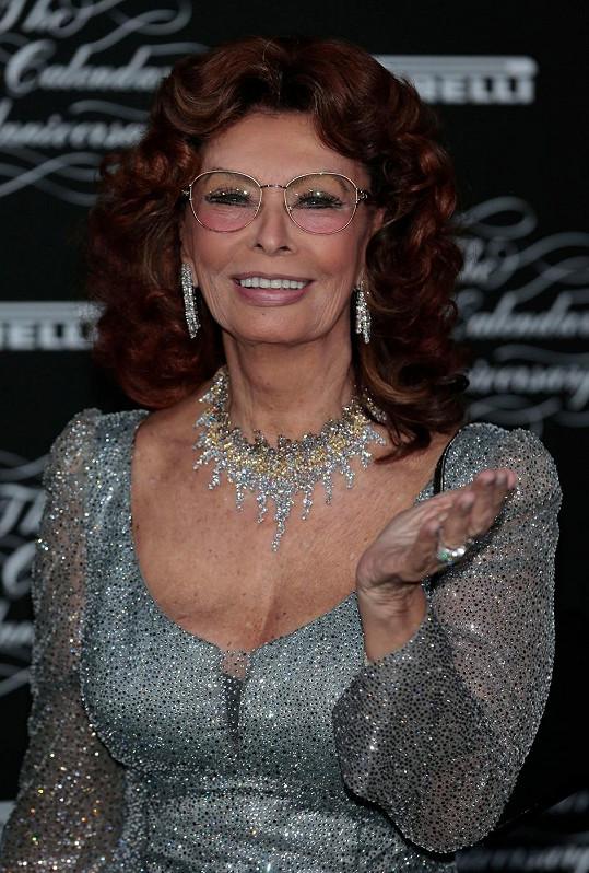Sophia Loren pózovala pro Pirelli ještě před šesti lety.