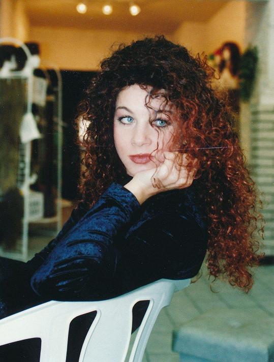 Sabina Laurinová v roce 1990 jako kudrnatá rebelka