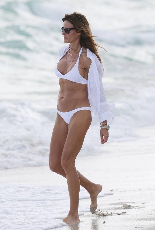 Kelly Bensimon a její muskulatura