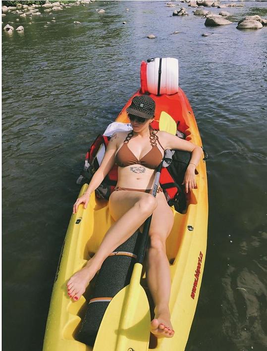 Berenika si užívá léto v českých vodách.