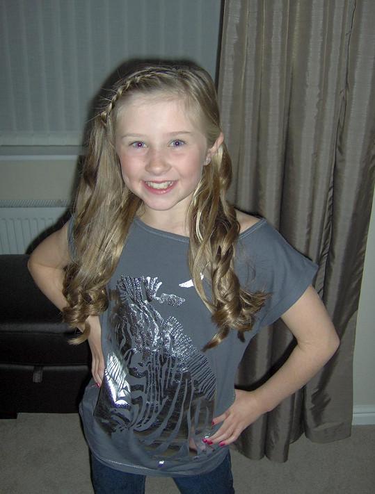 Až do šesti let měla krásné dlouhé blond vlasy.