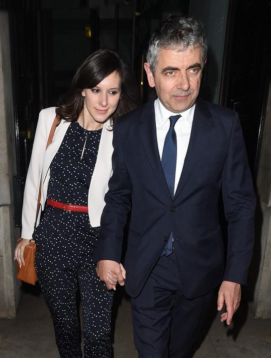 Představitel Mr. Beana prožívá novou lásku.