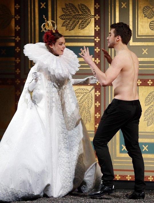 O Patrikovi kdysi Daniel Špinar prohlásil, že je to Hamlet s nejhezčím zadkem. Na snímku ve hře Manon Lescaut