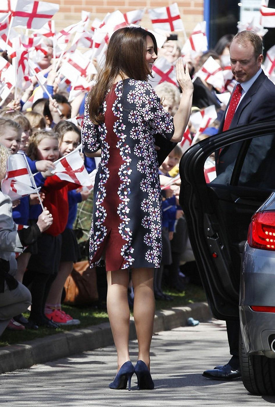 Princezna navštívila základní školu v Manchesteru.