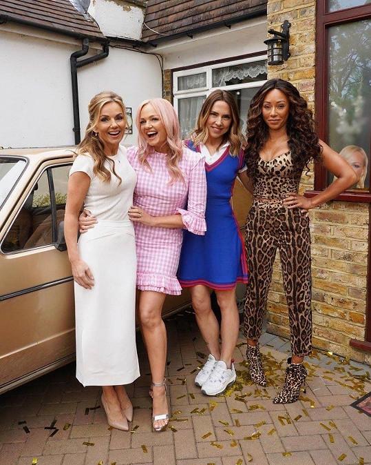 Geri, Emma, Mel C a Mel B (zleva) se vrátily na scénu.