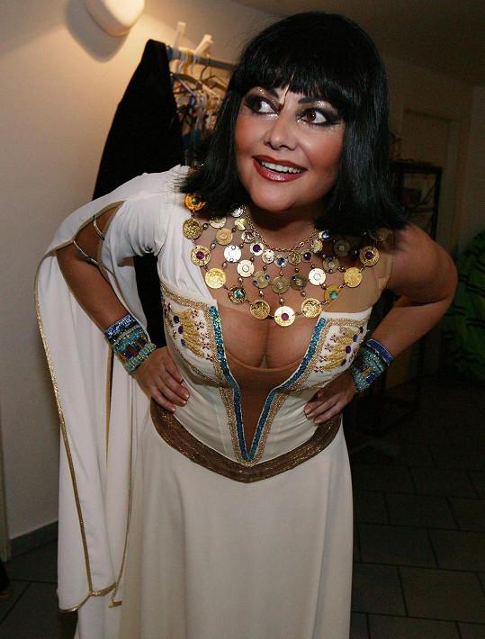 Ilona Csáková jako Kleopatra v roce 2006