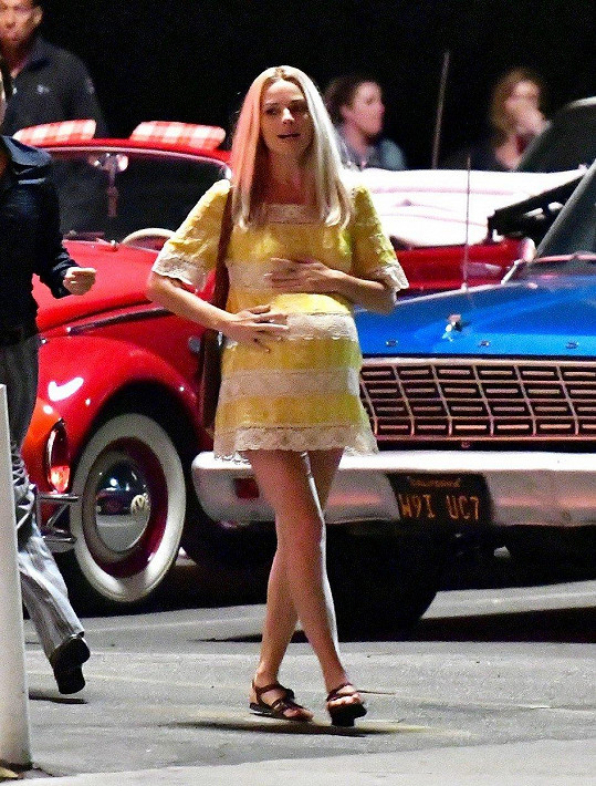 Margot Robbie natáčí film Once Upon a Time in Hollywood.