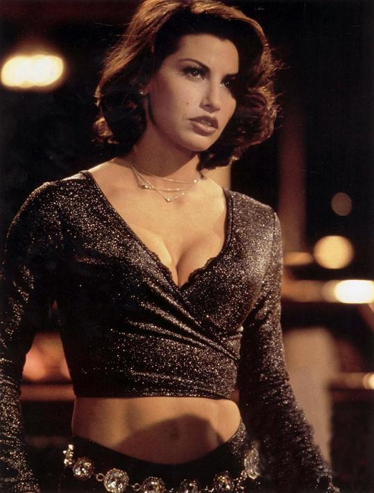Gina Gershon v roce 1995 ve snímku Showgirls