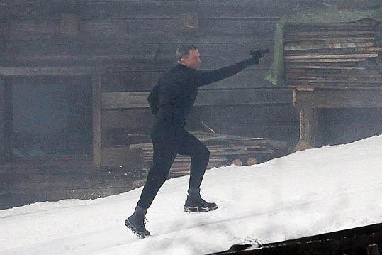 Daniel Craig se opět objeví v roli agenta 007.
