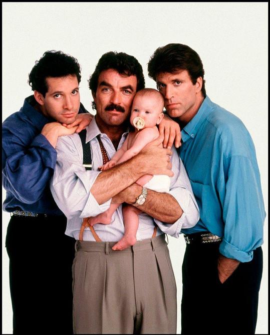 Ted Danson (vpravo) ve filmu Tři muži a nemluvně (1987)