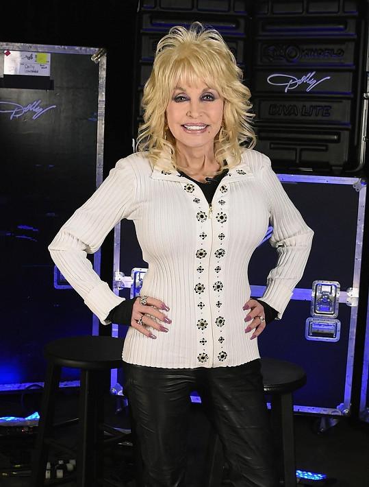 Sedmdesátilá Dolly je pořád v plné síle.