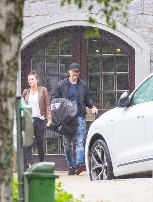Poprvé spolu byli Jaromír a Dominika spatřeni letos v červnu, když opouštěli hotel ve Špindlerově Mlýně.
