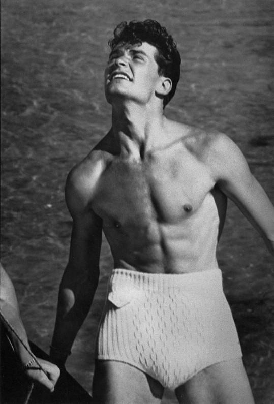 James v roce 1948, kdy ještě netušil, že bude hercem.
