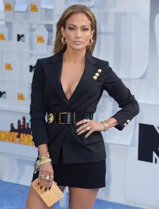 Na udílení MTV Movie Awards bodovala s filmem The Boy Next Door.
