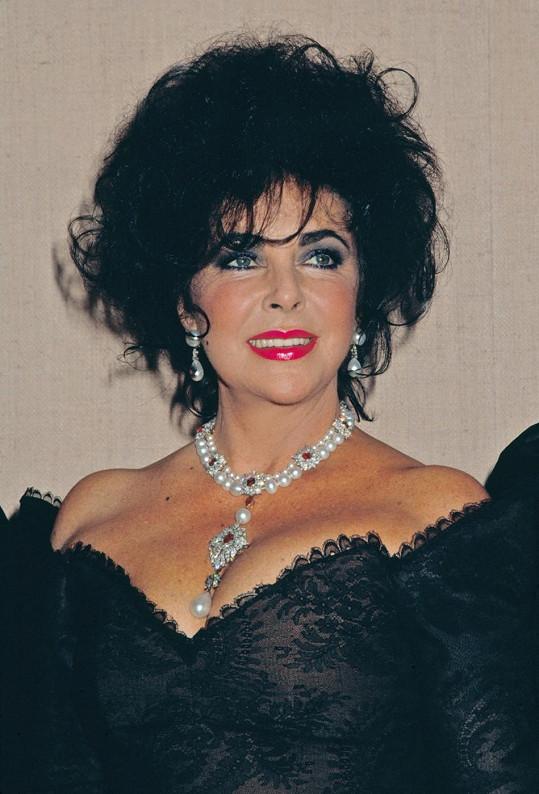 Nádherná Elizabeth Taylor si potrpěla na drahé šperky.