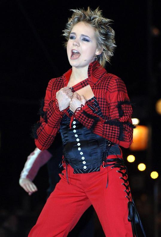 Tento outfit si Lucie oblékla na Silvestrovskou show.