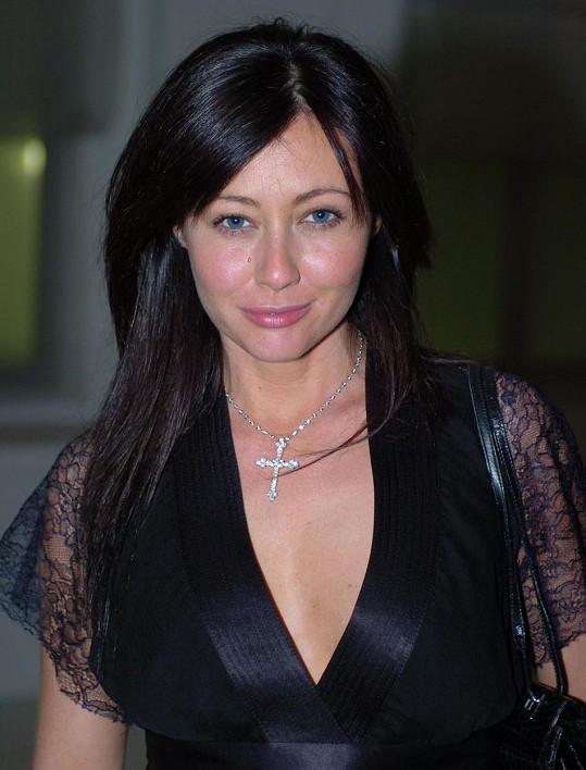 Shannen po BH získala také roli v seriálu Čarodějky.