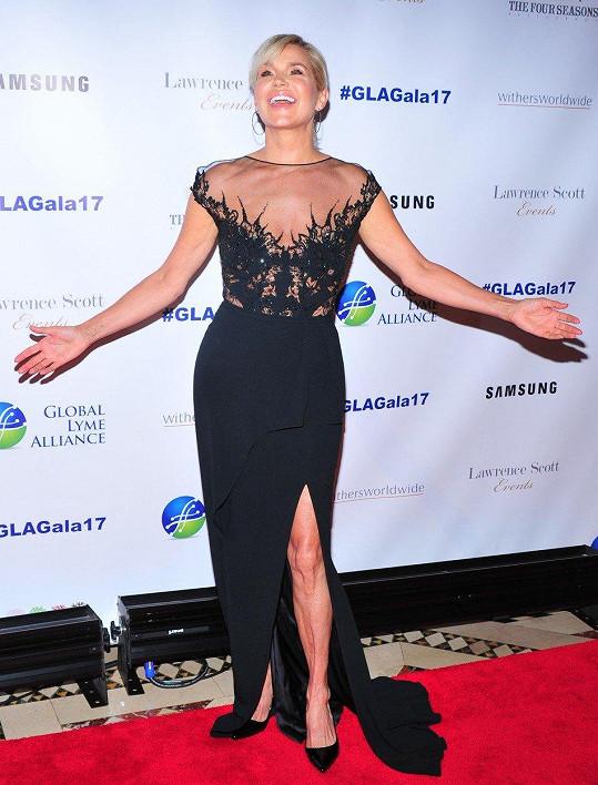 Matka dvou světoznámých modelek Belly a Gigi Hadid Yolanda Foster (53)