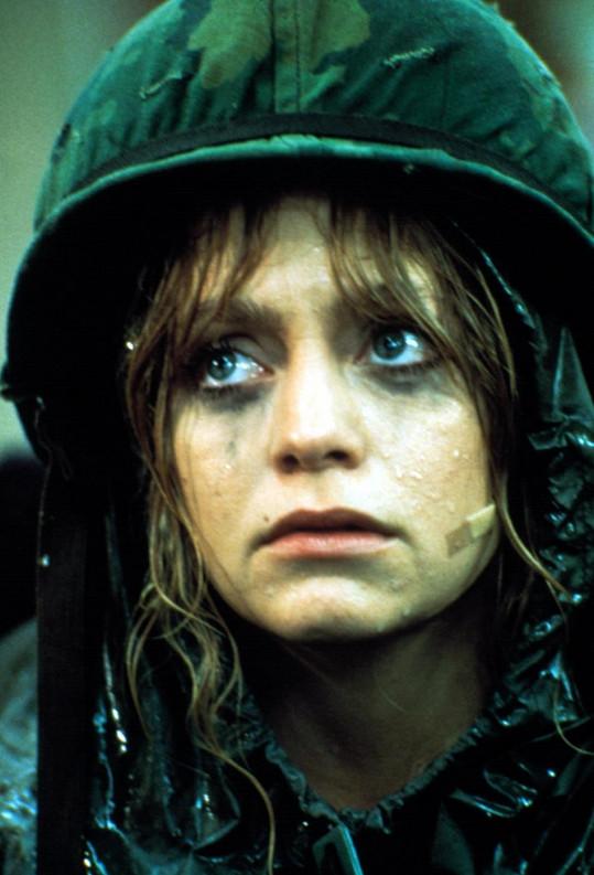 Goldie Hawn v jedné ze svých nejslavnějších rolí ve filmu Vojín Benjaminová