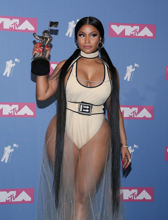 Odnesla si cenu za nejlepší Hip Hop video.