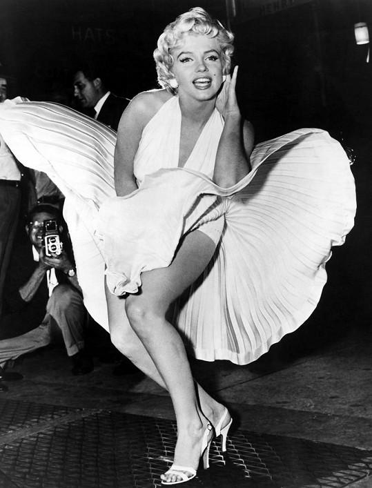 Skoro jako kdysi Marilyn Monroe.