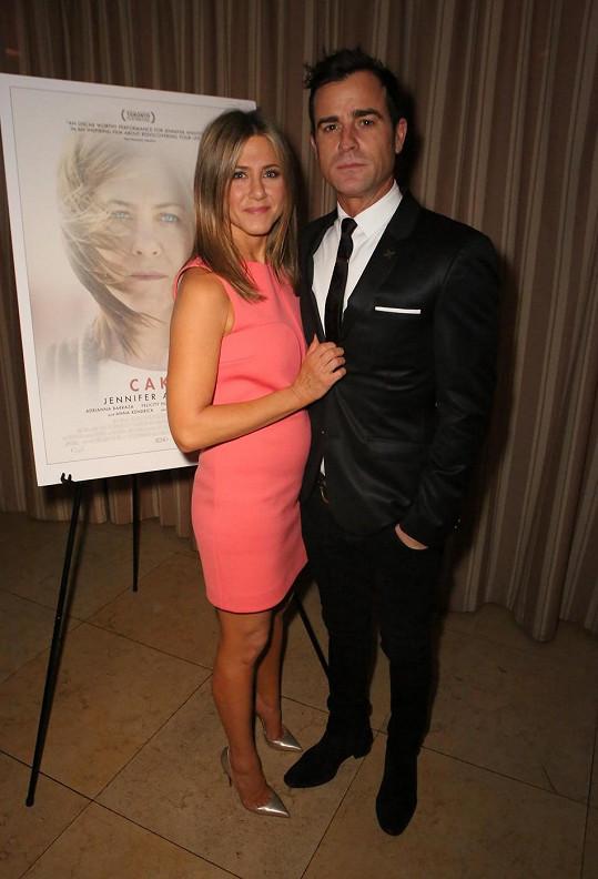 Jennifer Aniston se snoubencem Justinem Therouxem