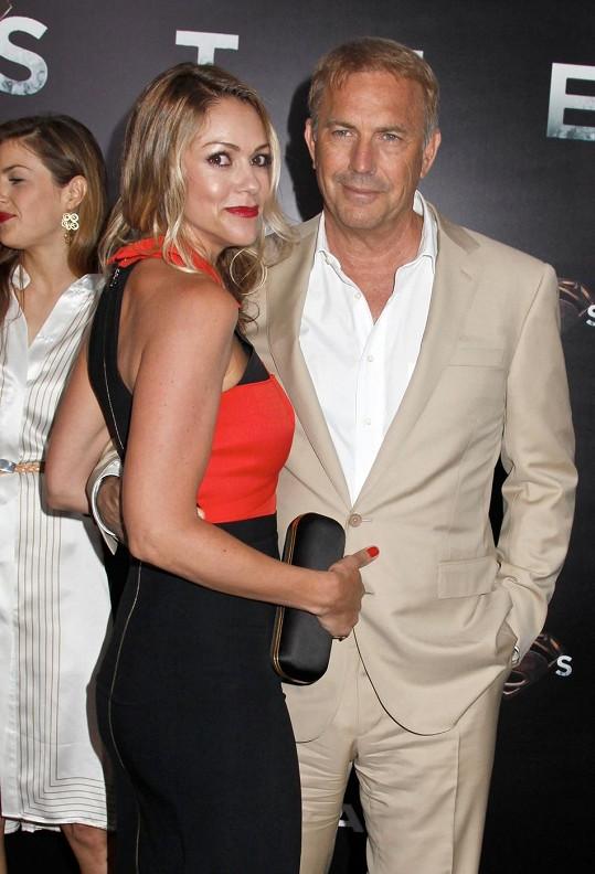 S manželkou Christine má herec tři děti.