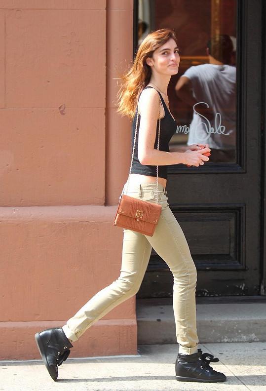 Ali Lohan má ideální modelkovskou postavu.
