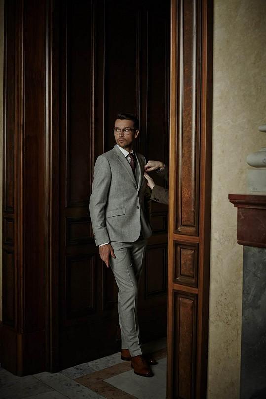 Lukáš fotil v Rudolfinu kolekci, ve které se objevují i jím navržené obleky.