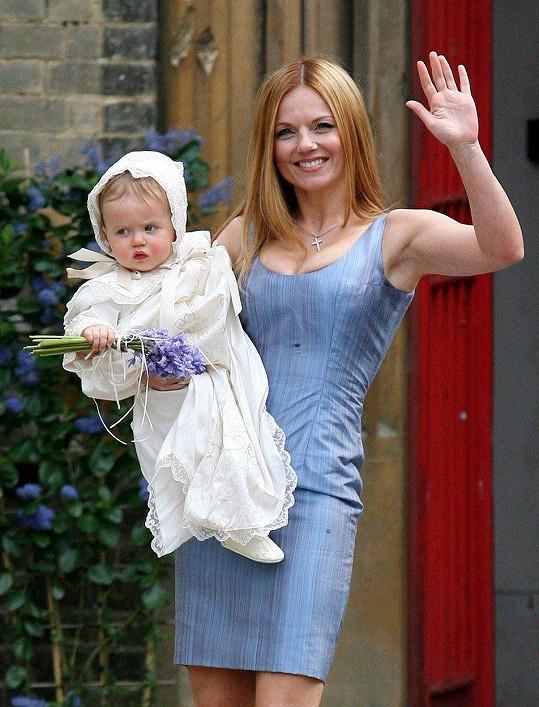 V květnu 2006 se stala ve svých 33 letech poprvé maminkou.