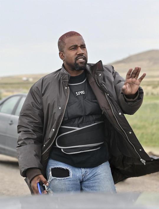 Kanye West chtěl na ranč ve Wyomingu přestěhovat celou rodinu, teď sídlo prodává.